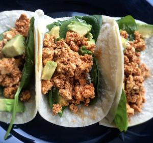 https://leangreennutritionfiend.com/tofu-tacos-with-spinach-avocado-and-pepper-jack/