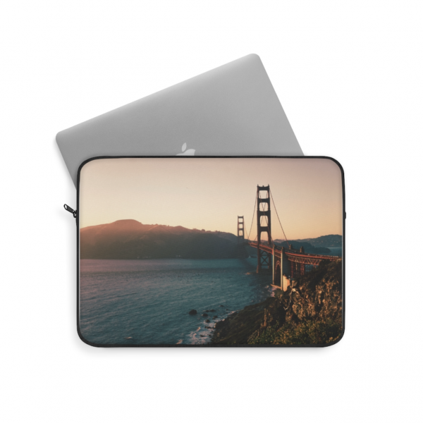 https://thesmokingchair.com/product/golden-gate-bridge-san-francisco-laptop-sleeve-4/